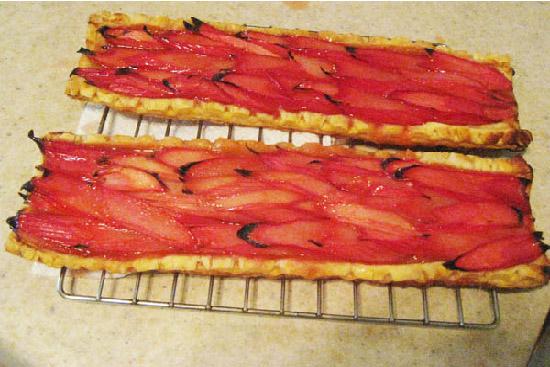 Rhubarb tart with orange-ginger glaze - A recipe by Epicuriantime.com