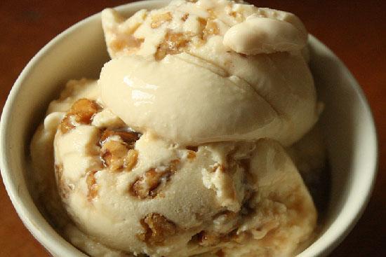 Maple walnut ice cream - A recipe by Epicuriantime.com